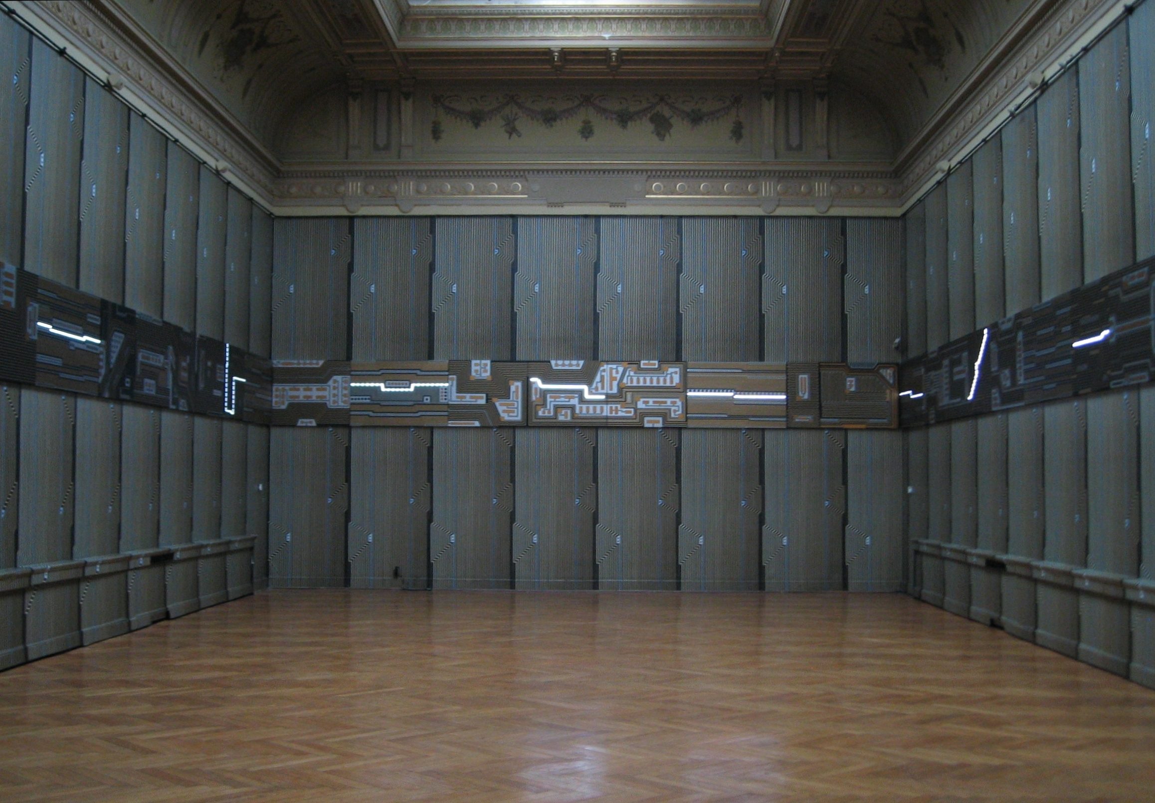 DUJE JURIĆ: MEMO-CHIPS / specifična ambijentalna slikarska instalacija