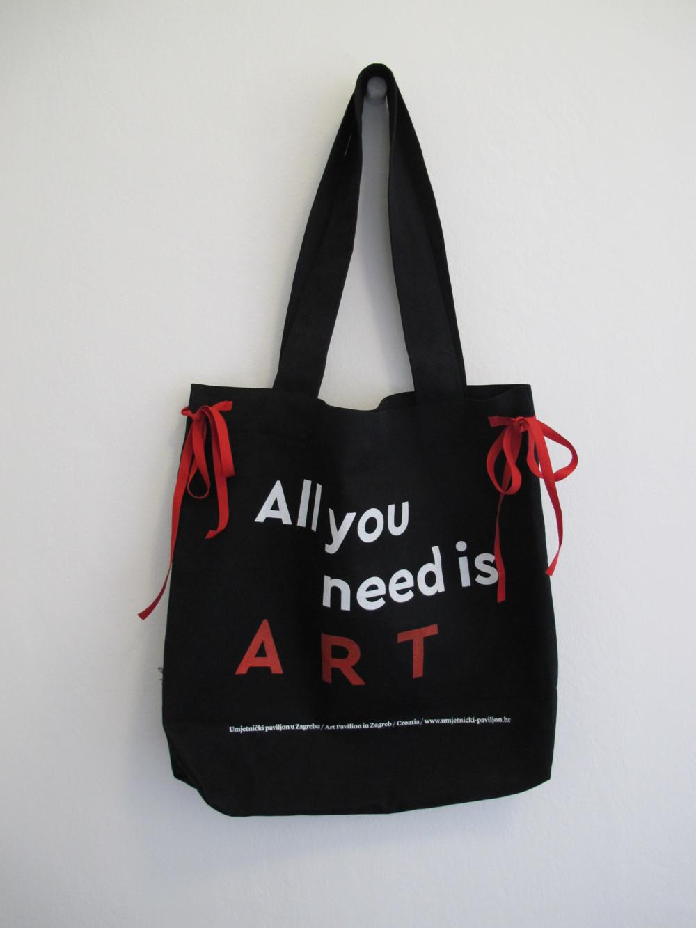 Torba_All_You_Need_is_Love_web